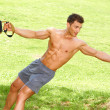 Fitness man i park — Stockfoto