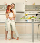 Пара на кухне — Стоковое фото