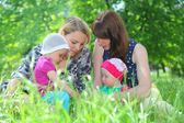 Mothers with babyes — Stock Photo