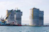 Dźwig pływający na bazie platformy naftowej — Zdjęcie stockowe