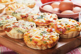 Mini quiche with vegetable — Stock Photo