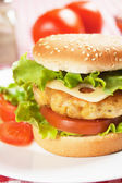 Leckere Hähnchen-burger — Stockfoto