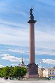 Rusland. petersburg. engel op de kolom alexander op paleis plein — Stockfoto