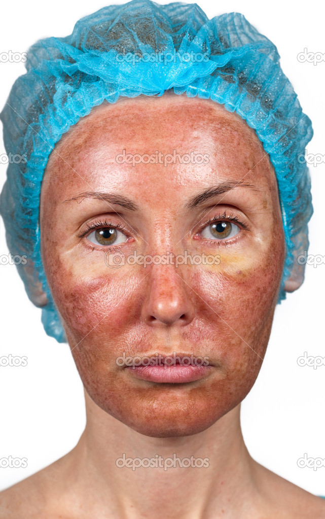 La crème le masque pour le nettoyage de la personne