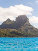 Sea and Otemanu mountain . Bora-Bora. Polynesia — Stock Photo