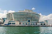 Denizden bracelona dünya ticaret merkezi görünümü — Stok fotoğraf