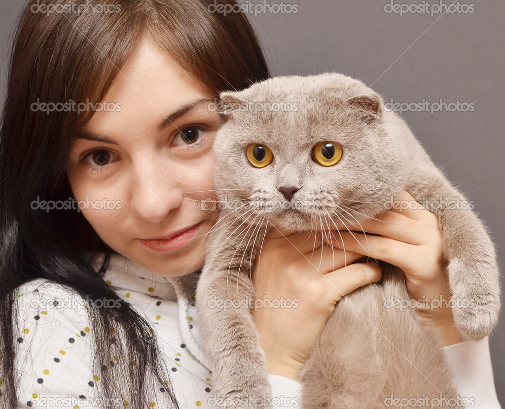 Portrait of girl with cat — Stock Photo #14013868