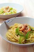 Spaghetti pasta with fresh shrimps and zucchini sauce — Stock Photo