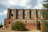 The side wall of the Abbey of San Galgano. Tuscany — Stock Photo