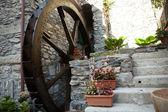 Eski watermill manarola içinde — Stok fotoğraf