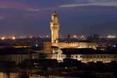 Florence, Night view of Palazzo Vecchio from Piazzale Michelangelo — Stock Photo