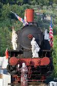 古い機関車の大理石の彫刻 — ストック写真