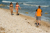 Caminhando na praia — Fotografia Stock