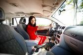 Donna in auto — Foto Stock