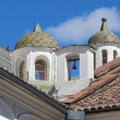 Domes at the church of San Francisco in Quito, Ecuador — Stockfoto