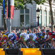 The Peloton in Paris — Stock Photo