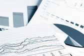 Finansowych wykresy i wykresy — Zdjęcie stockowe