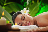 Aroma, health, healthcare, healthy, herbal, herbs, massage, natural, nature, spa, therapy, treatment, rejuvenate, relaxation, relaxing, aromatherapy, beauty, body, care, relax, cosmetics, medical, med — Foto Stock