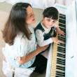 Piano Lessons - Mother and Daughter — Stock Photo