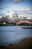 Thames embankment — Stock Photo
