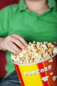 Popcorn und Kino — Stockfoto