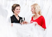 Two girls selebrate an excellent choice — Stock Photo