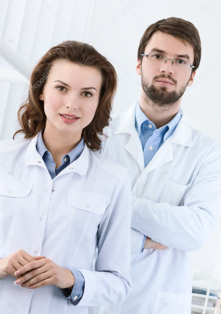 Medical staff is waiting for the patient, white background — Stock Photo #12002398