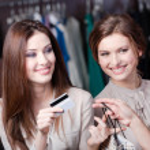 Smiley vrouwen creditcard — Stockfoto