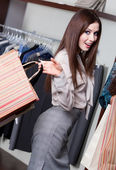 Pretty woman makes bargain — Foto de Stock