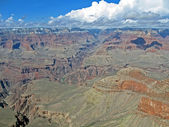 Grand canyon in sunny day, mountains diversity. — Стоковое фото