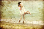 Couple kissing at the beach. — Stock Photo