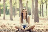 Teen girl n in the park. — Stock Photo