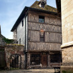 cidade de Honfleur, na Normandia - França — Fotografia Stock  #10943804