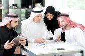 μουσουλμανική επιχειρήσεων στην εργασία — Φωτογραφία Αρχείου