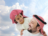 Arabic father and little kid — Stock Photo