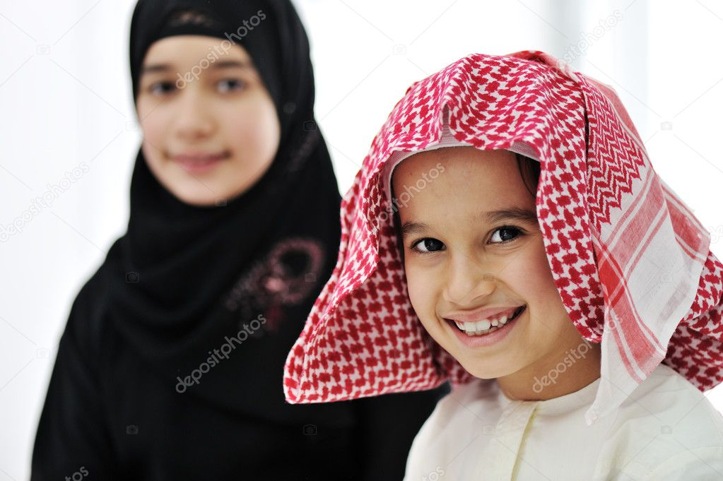Portrait of little boy and girl — Stock Photo #11751007