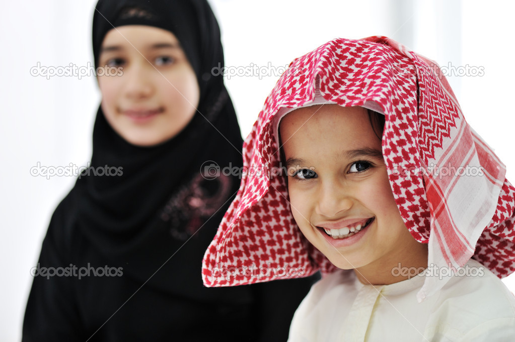 Portrait of little boy and girl — Foto Stock #11751007