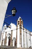 église dans le village de monsaraz — Photo