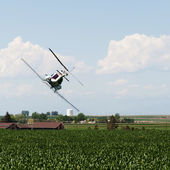 Helicopter Spraying Crops With Pesticide — Stock Photo