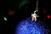 树上的圣诞饰品. — 图库照片