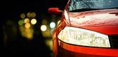 Kırmızı araba — Stok fotoğraf