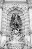 Saint-michel-springbrunnen-paris — Stockfoto