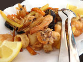 Fried mixed seafood — Stock Photo