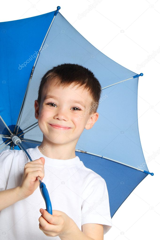 5 years old boy holding blue umbrella, isolated on white background — Stock Photo #10882994
