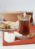 Traditional turkish chai — 图库照片