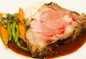 Rare Prime Rib with Vegetables — Stock Photo
