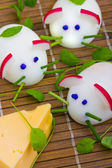 Mice made from eggs with cheese for child breakfast — Stock Photo