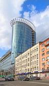 Spiegel-turm des biness-center — Stockfoto