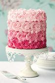 Rosa ombre tårta — Stockfoto