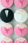 Wedding party cupcakes — Stock Photo